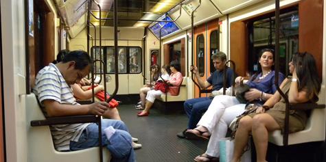 Viajeros en el Metro